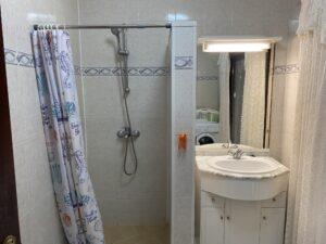 2A3 Bathroom 2